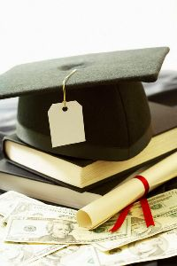 Students Willing to Stretch Finances to Attend Expensive Colleges with Prestige and Strong Academics