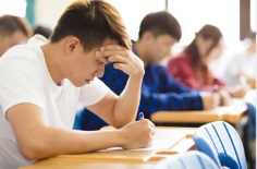 It may seem counterintuitive to work hard throughout high school, score well on your standardized tests, get accepted to your first-choice college and wrangle enough financial aid to pay for your education only to drop out before graduation but it does happen. What causes this academic 180? That's what researchers at Michigan State University revealed in a new study.